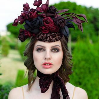 """Шляпка с цветами из ткани и кожи """"Карима"""""""