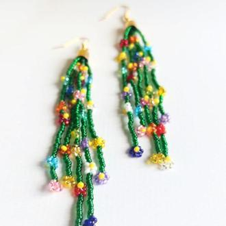 Красивые разноцветные серьги, трендовые ромашки из бисера, Подарок девушке