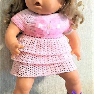 Ажурное летнее розовое платье со шляпой на Бэби Берна