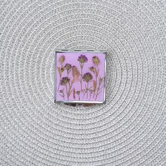 Карманное зеркало с настоящими полевыми цветами
