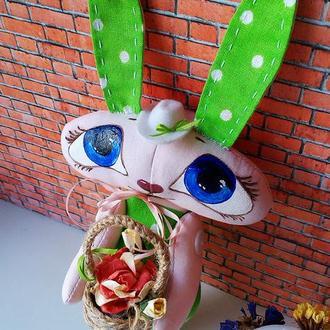 Текстильный заяц с подарком в руках (зелёный)