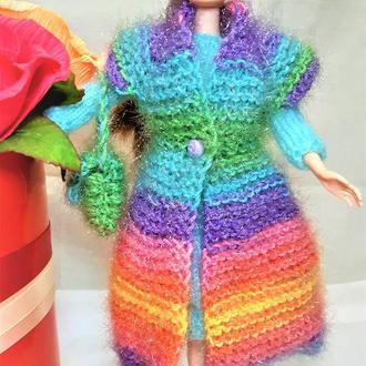 Комплект на Барби пальто-жилетка радужного цвета с махеровым платьем голубого цвета