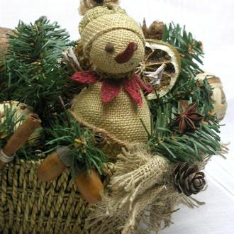 Новогоднее украшение-корзинка со снеговиком, экостиль, декор на Рождество