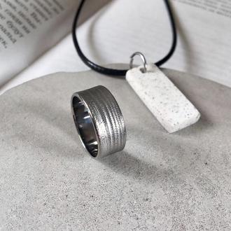 Комплект кольцо из титана + кулон из полимербетона