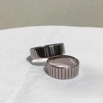Титановое полосатое кольцо унисекс
