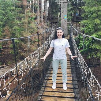 Костюм жіночий з футболкою і штанами в оливковому кольорі з трикотажу на кожен день