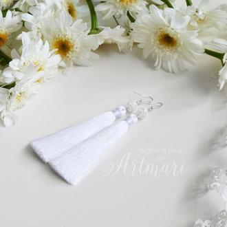 Шелковые серьги-кисти Белые
