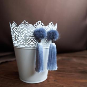 Шелковые серьги-кисти Серые с мехом