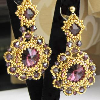 Золотые цветочные серьги с фиолетовыми кристаллами Swarovski ювелирным бисером