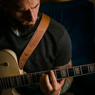Кожаный гитарный ремень