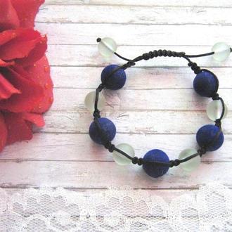 Плетеный браслет шамбала на 9 бусин, с велюровыми и стеклянными бусинами