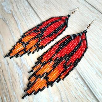 Яркие летние серьги из бисера в форме крыльев бабочки