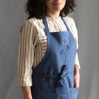 Женский льняной фартук с ручной вышивкой