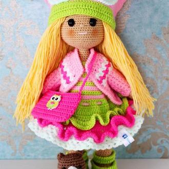 Кукла в костюме совушки вязаная крючком с совой или мишкой. Подарок дочке, внучке, племяннице.
