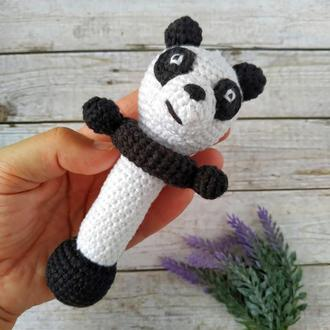 Вязаная погремушка Панда