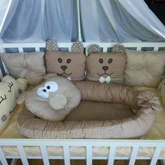 Комплект бортиков и постельного белья в детскую кроватку