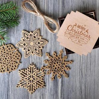 Набор снежинок из дерева (6 шт)