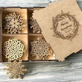 Большой набор новогодних снежинок из дерева «Венок»