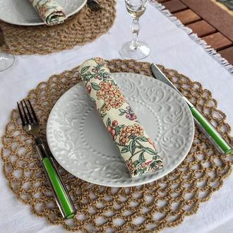 Плетеные подставки под тарелки. Праздничный декор стола.