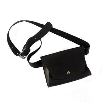 Жіноча шкіряна сумка на пояс — чорна