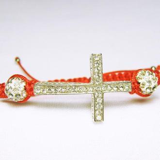 Плетеный красный браслет с крестом и бусинами шамбала