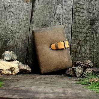 Винтажный гримуар с обложкой из натуральной кожи