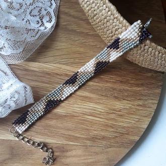 Стильный браслет из чешского бисера