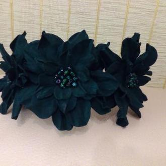 Ободок с цветами , замшевое украшение