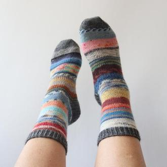 Вязаные носки Колоритные