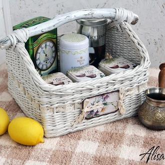 Корзинка плетеная для фруктов, чая, полотенец 28х30х20см.