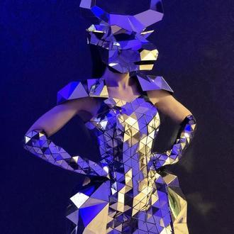 Зеркальная полигональная маска быка на всю голову из пластика (версия 2)