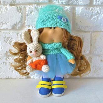 Кукла Тильда с зайцем амигуруми