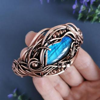 Медный браслет с синим лабрадором. Медное украшение. Подарок жене на медную свадьбу