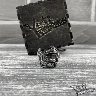 Срібний чоловічий перстень з орлом «Live to Ride»