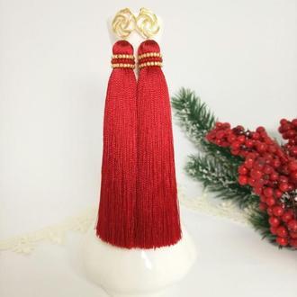 Красные серьги - кисти с позолоченной фурнитурой