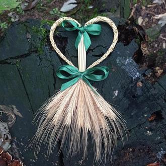 Соломенное сердце с колосками пшеницы ручной работы