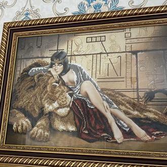 Картина вышитая чешским бисером Клеопатра