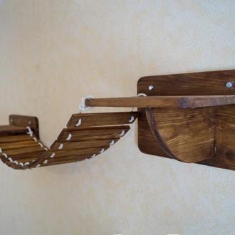 Деревянный мостик с полками для котиков.