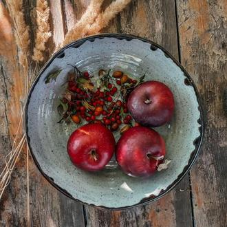 Керамическое блюдо для фруктов