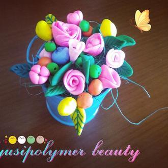 Сувенирное ведро с цветами