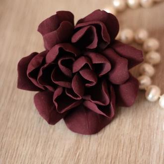 """Бордовая заколка/брошь цветок """"Гардения бургунди"""". Оригинальный подарок женщине"""