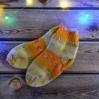 Теплые вязаные носочки