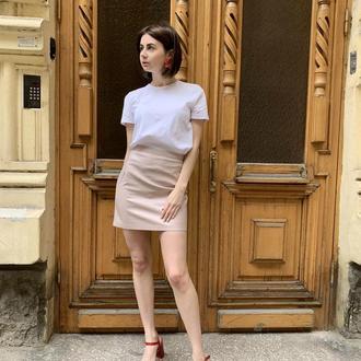 Мини-юбка-карандаш из эко-кожи персикового цвета