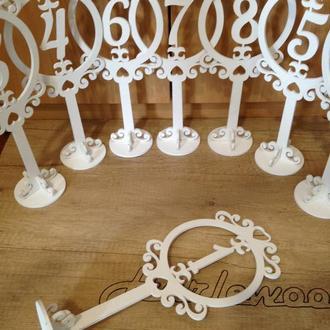 Номерки из фанеры для свадьбы, декор