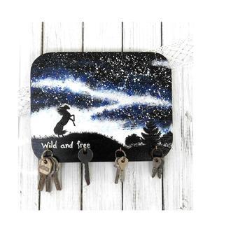 деревянная ключница ночной пейзаж