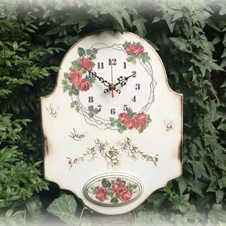 """Часы настенные """"Венок из роз"""""""
