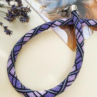Фиолетовое сиреневое с черным ожерелье жгут в клеточку из японского бисера Лаванда