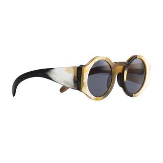 Круглые очки в роговой оправе