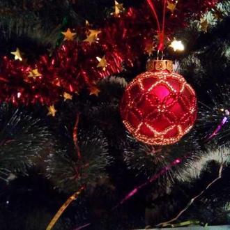 Игрушка на елку в виде шарика (сувенир на новый год)