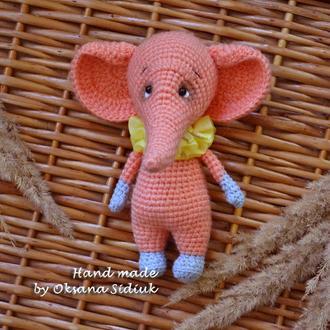 В'язана іграшка слон / Вязаная игрушка слон
